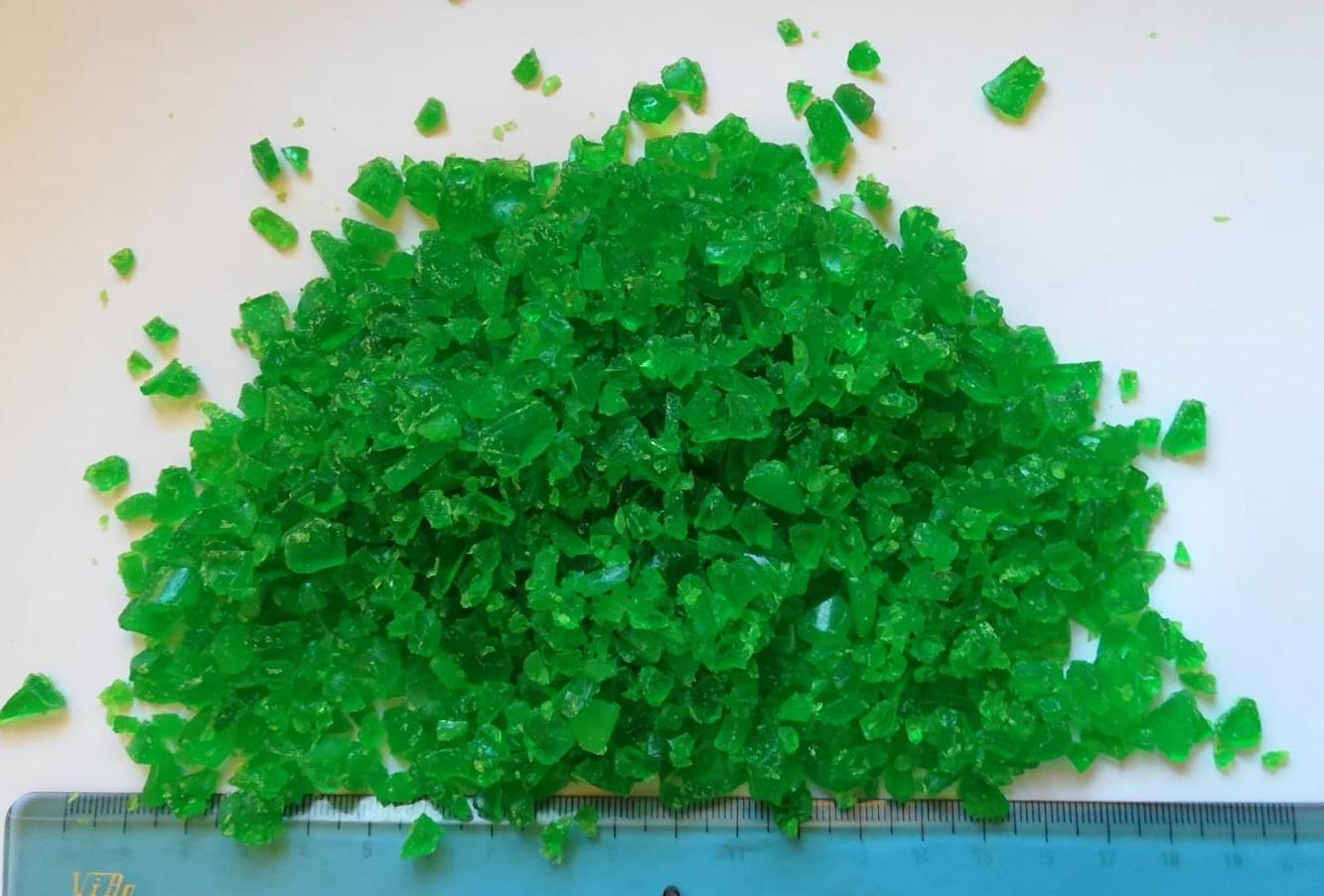 PLA regrind bottle grade green color PLA macinato da preforme verde PLA Mahlgut grüne Farbe PLA molido color verde PLA broyé vert